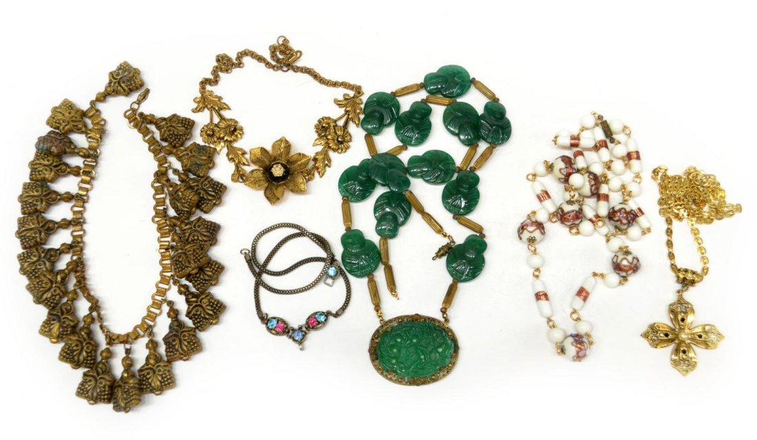 86: COLLECTION VINTAGE COSTUME JEWELRY NECKLACES