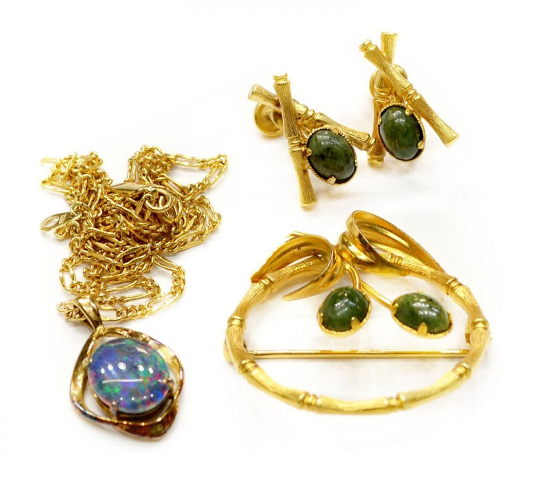 205: (10)OPAL, CAMEO, JADE & VINTAGE JEWELRY COLLECTION - 3