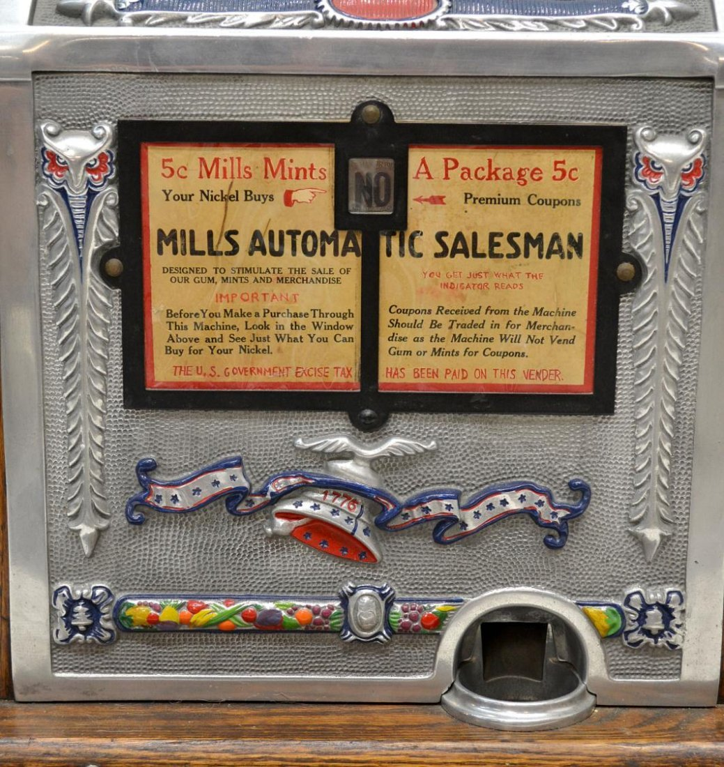 104: VINTAGE MILLS 'AUTOMATIC SALESMAN' SLOT MACHINE - 5