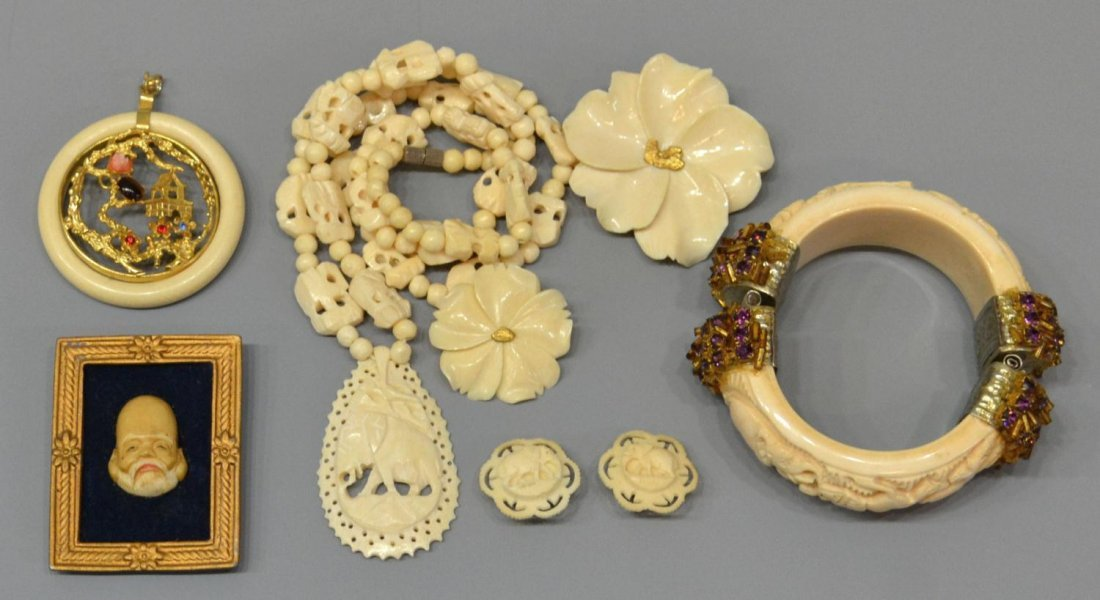415: CHINESE CARVED IVORY & BONE JEWELRY GROUP