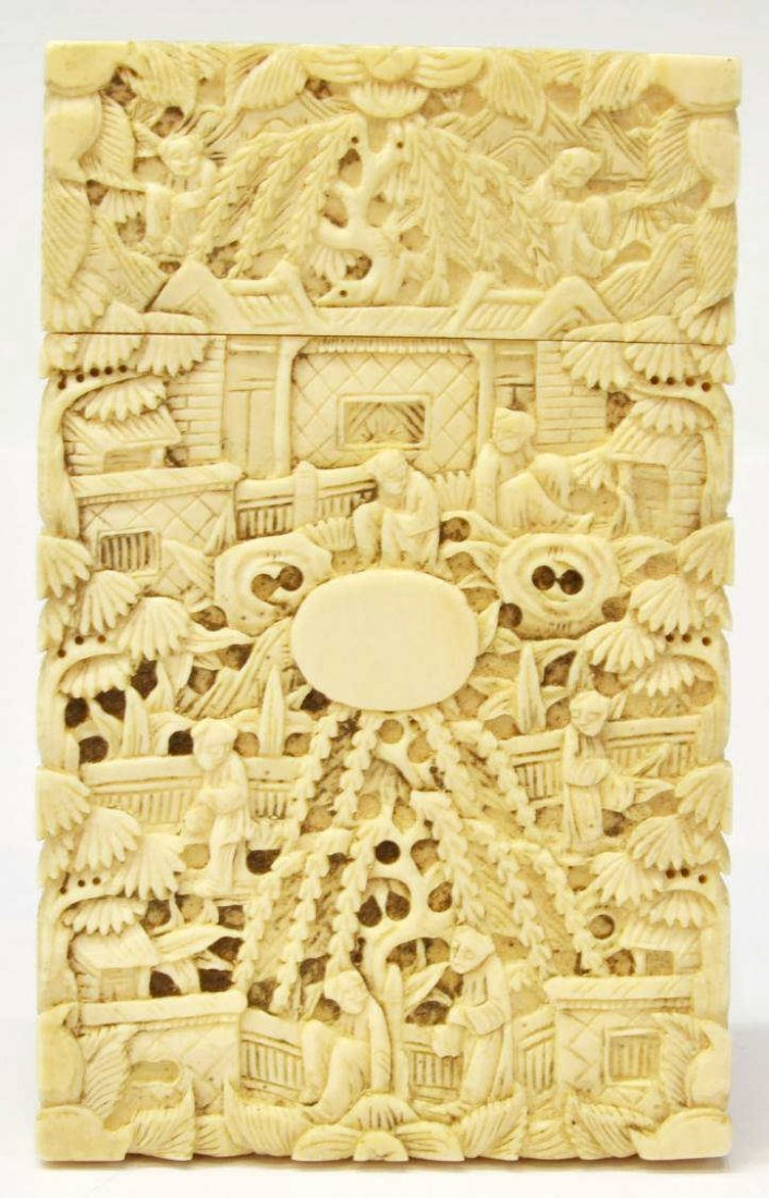 420: CHINESE EXPORT IVORY CARD CASE, QING DYNASTY