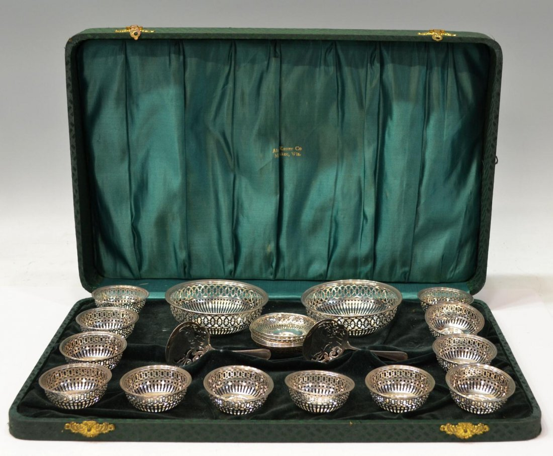 8: CASED AMERICAN STERLING SILVER NUT SERVICE
