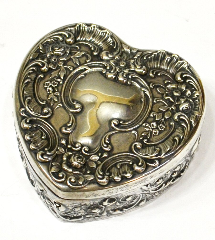 13: GORHAM STERLING SILVER FITTED REPOUSSE HEART BOX