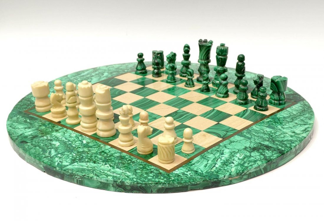 277: MALACHITE CHESS TABLE & PLAYING PIECES