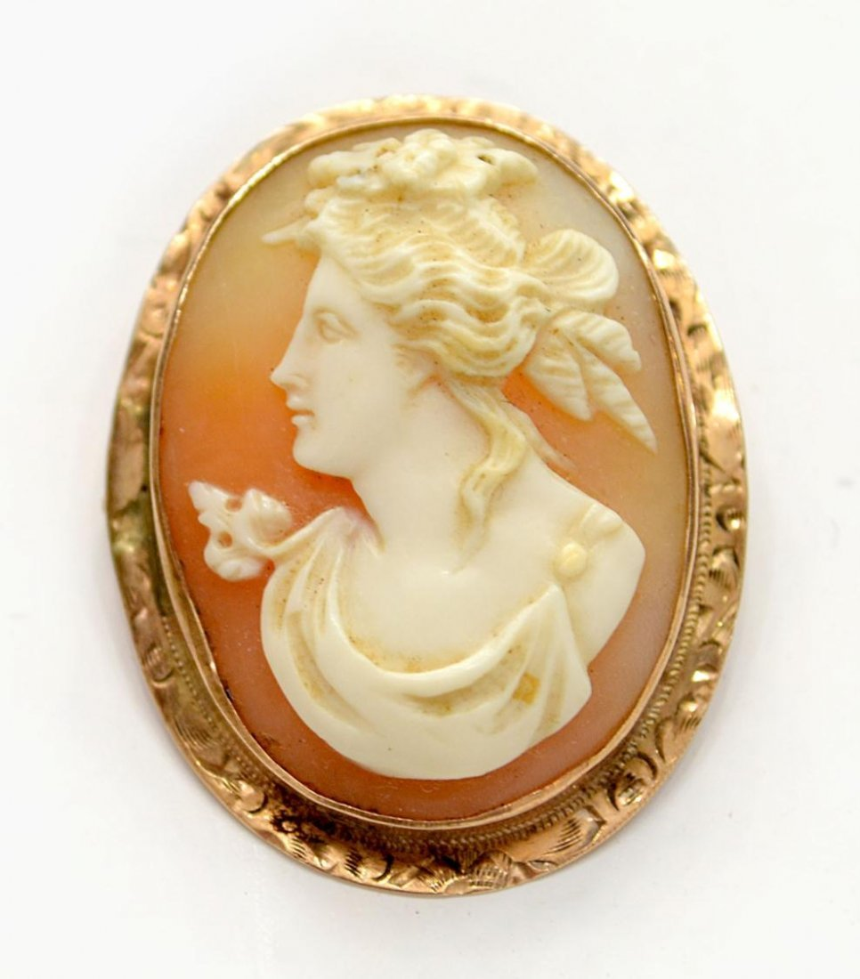 506A: ESTATE 10KT GOLD CARVED SHELL CAMEO PENDANT