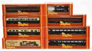 373 8 HORNBY RAILWAYS MODEL TRAINS  LOCOMOTIVES