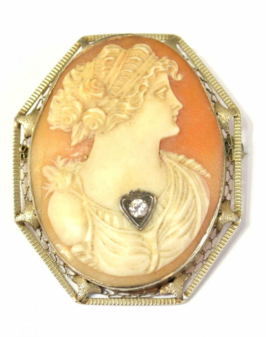 ANTIQUE 10KT GOLD CARVED CAMEO SHELL PENDANT