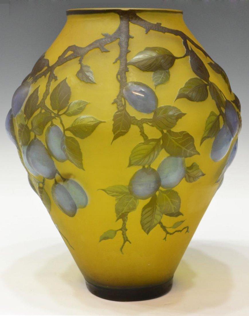 LARGE CAMEO CUT ART GLASS VASE, SIGNED PETRACHE - 3