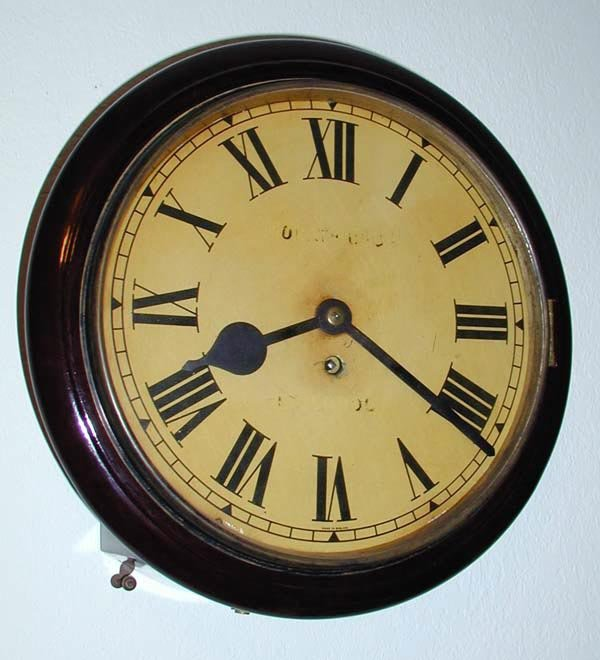 22: 1 ENGLISH GALLERY FUSEE CLOCK CABLE OPERA