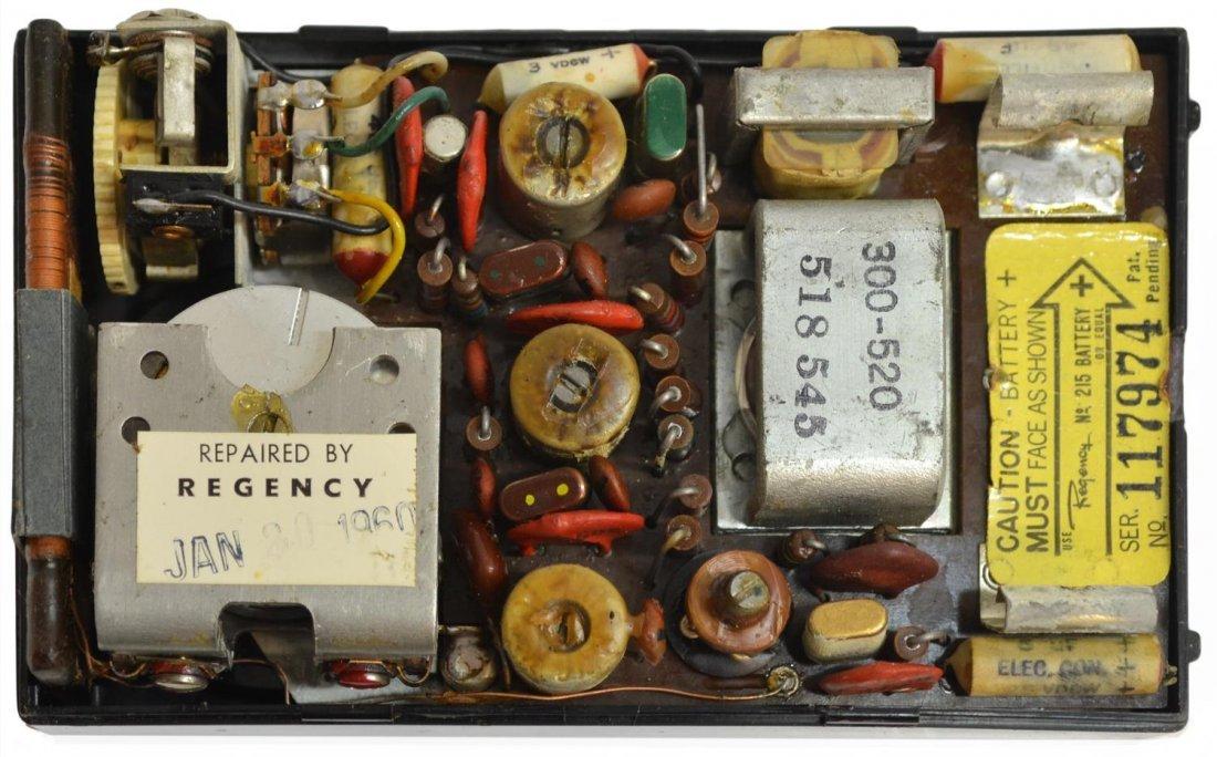 1950'S MICHAEL TODD REGENCY TRANSISTOR RADIO BOOK - 7