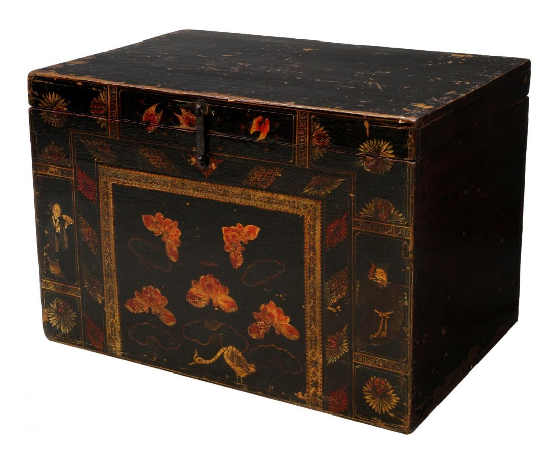 JAPANESE LACQUERED FIGURAL & FLORAL PAINTED TRUNK