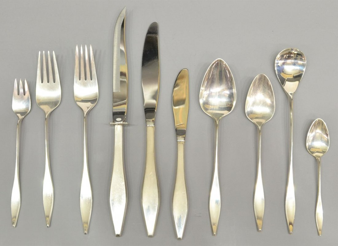 (174) REED & BARTON 'LARK' STERLING FLATWARE SET - 3