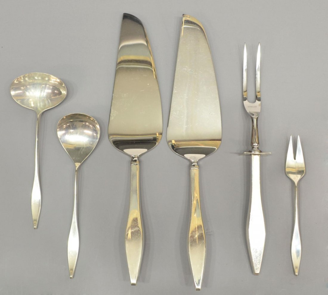 (174) REED & BARTON 'LARK' STERLING FLATWARE SET - 4