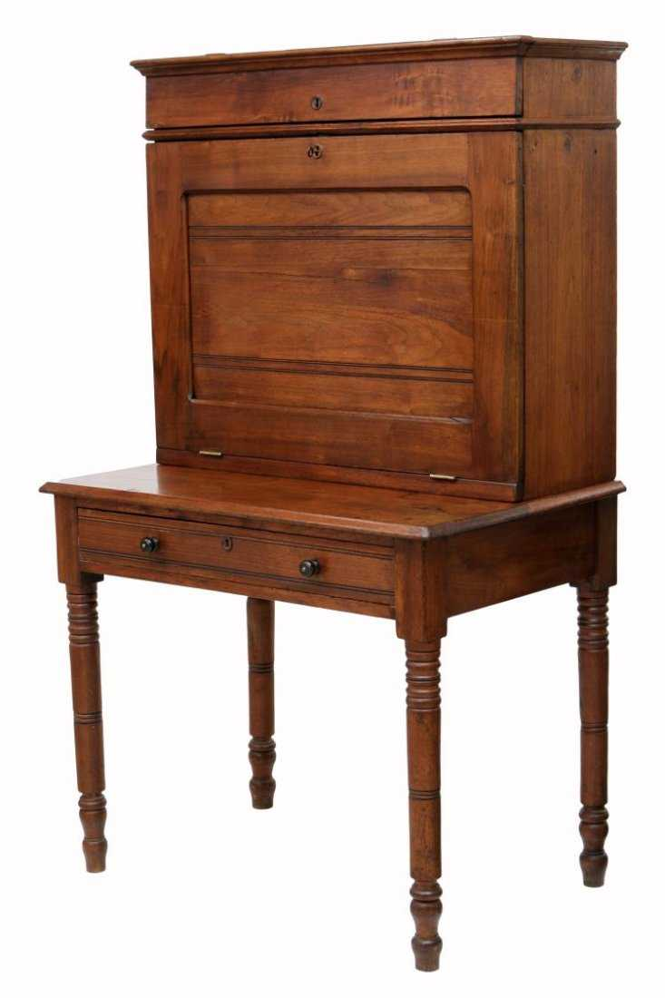 - AMERICAN ANTIQUE PLANTATION DESK