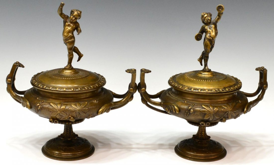 (2) CONTINENTAL CLASSICAL STYLE COVERED TABLE URNS