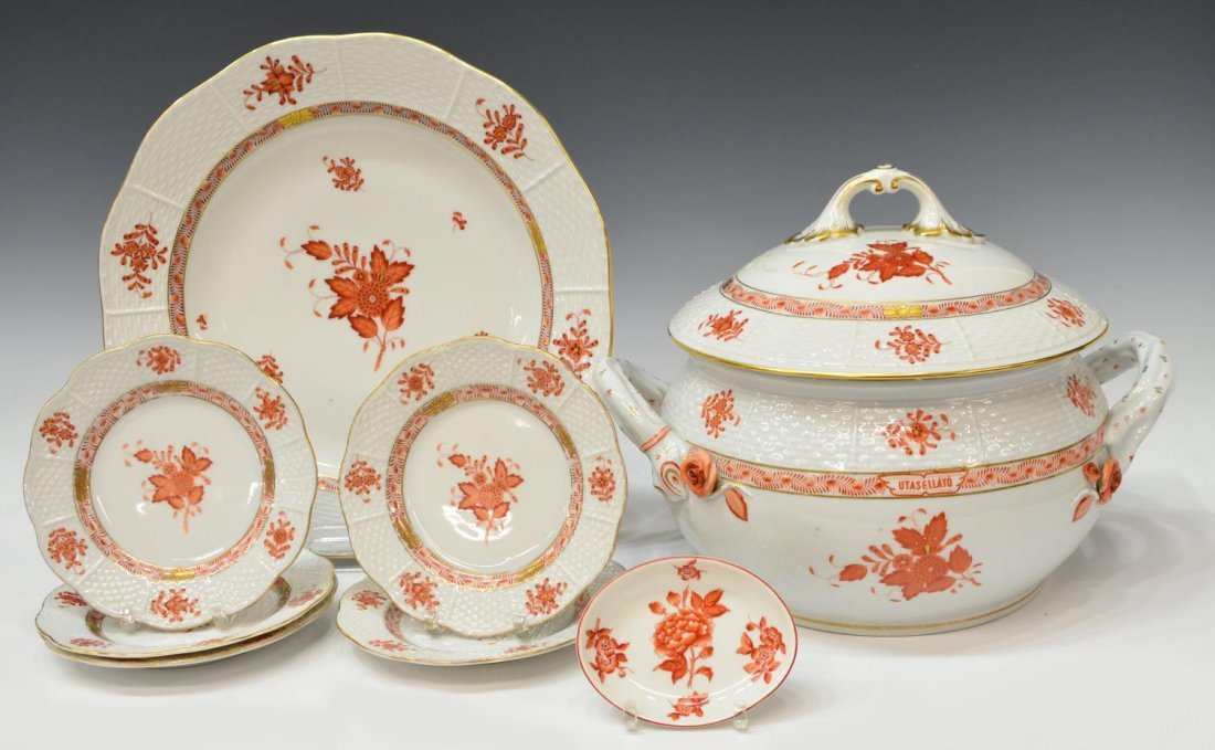 (8) HEREND CHINESE BOUQUET PORCELAIN DINNERWARE