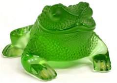 LALIQUE ART GLASS FROG IN GREEN, GREGOIRE