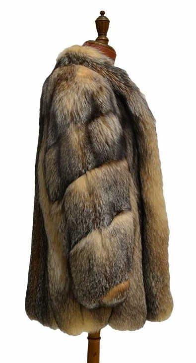 FINE LADIES KOSLOWS DYED CRYSTAL FOX FUR COAT - 4
