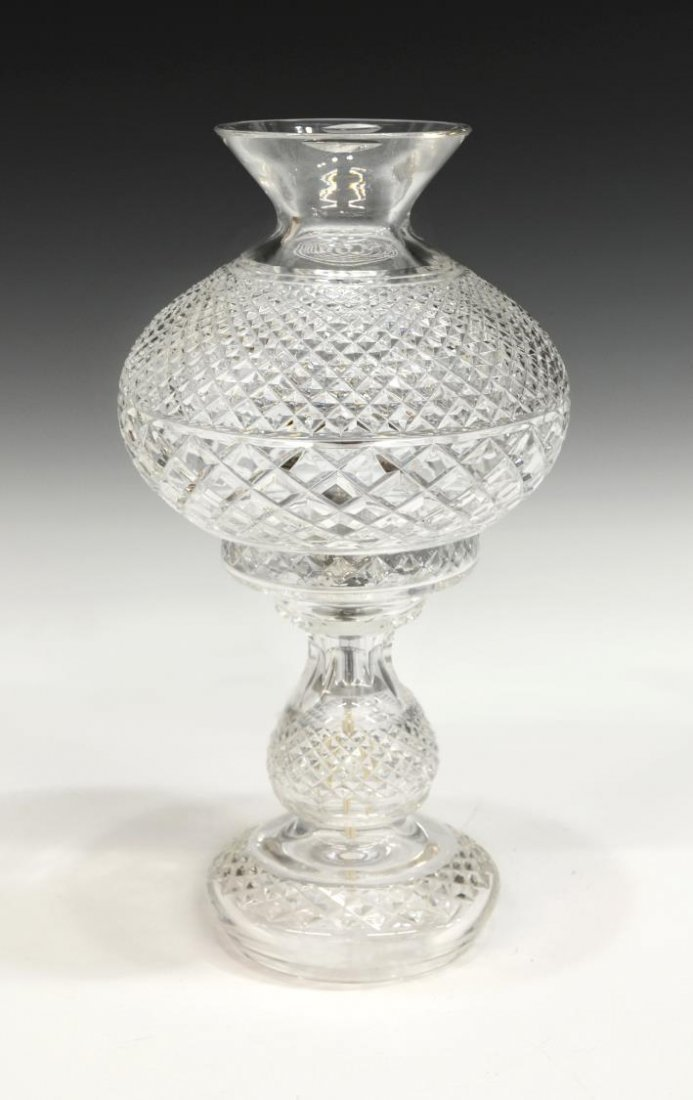 WATERFORD IRISHMAAN CUT CRYSTAL TABLE LAMP