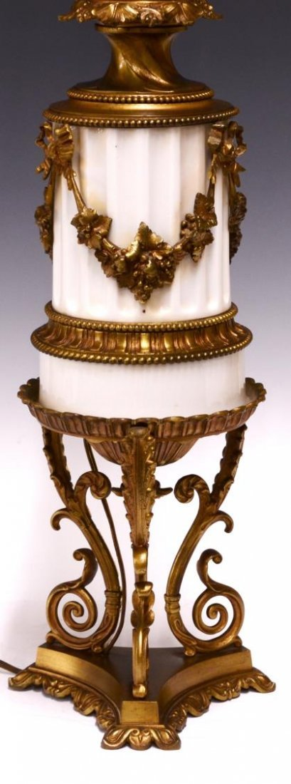 NEOCLASSICAL STYLE MARBLE & GILT METAL TABLE LAMP