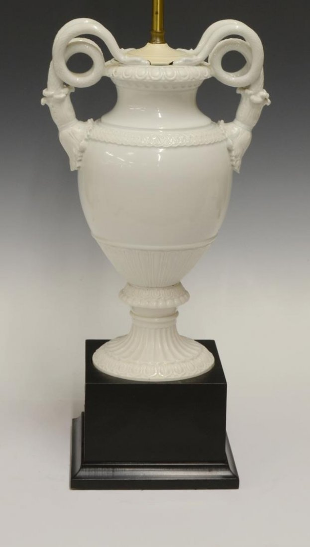 MEISSEN (ATTRIB) DOUBLE SERPENT HANDLE URN LAMP