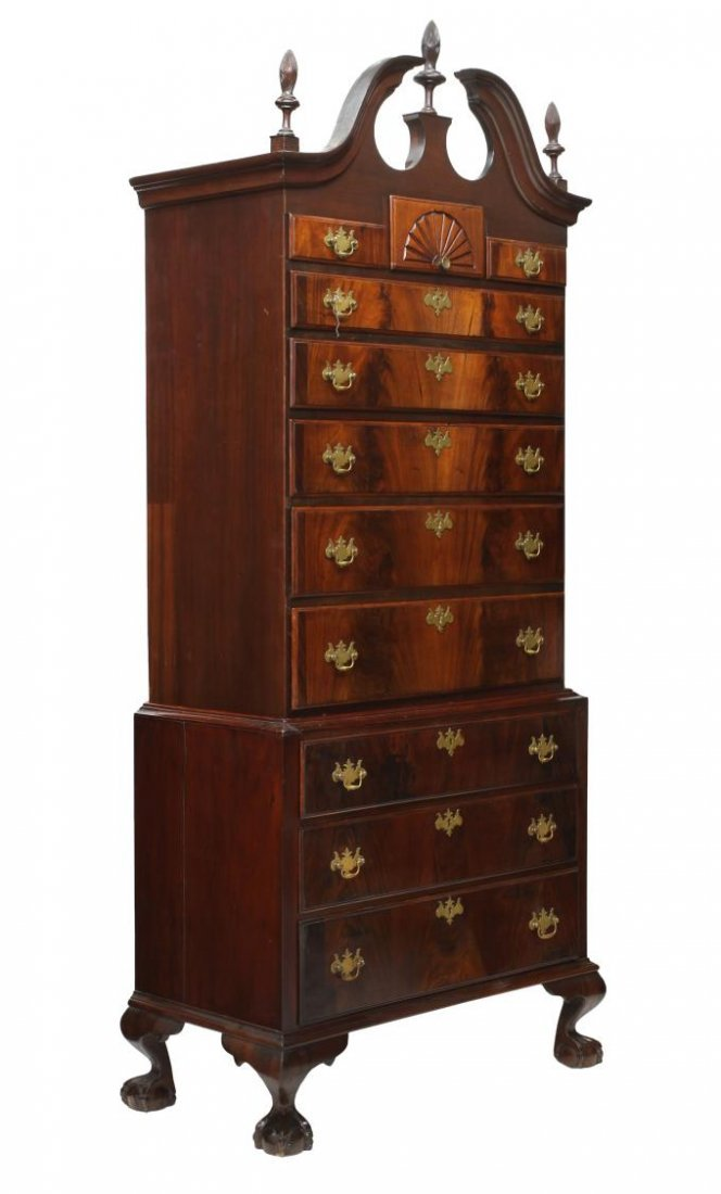 CHIPPENDALE STYLE MAHOGANY CHEST ON CHEST