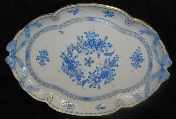 9: HEREND PLATTER TRAY BOW & BASKET BLUE GARDEN
