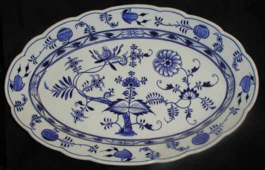 10: LARGE BLUE ONION PLATTER OLD MARK