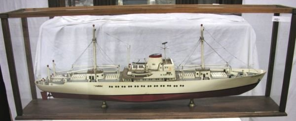 15: VINTAGE SHIP MODEL ROBBE GERMANY IN CASE