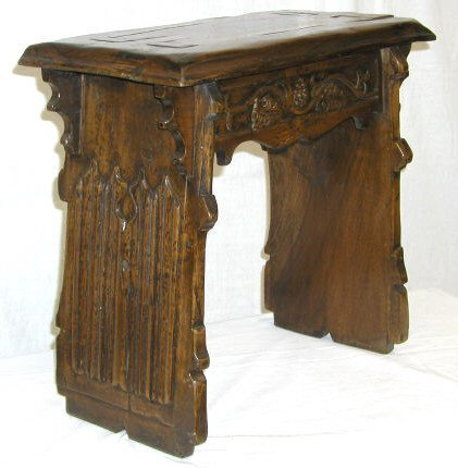 276: GOTHIC STYLE HAND MADE BENCH SPAIN.