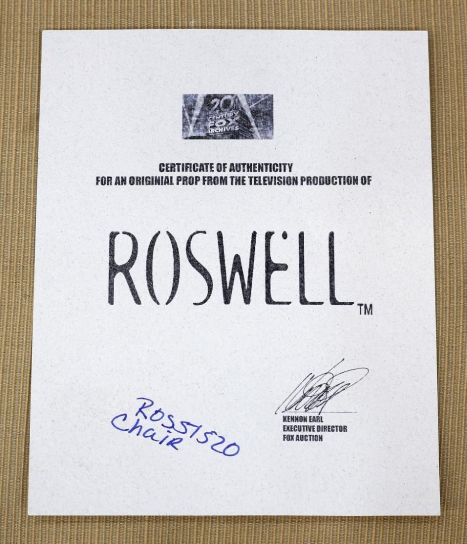 "ORIGINAL ""ROSWELL"" TELEVISION SHOW FURNITURE PROP - 6"