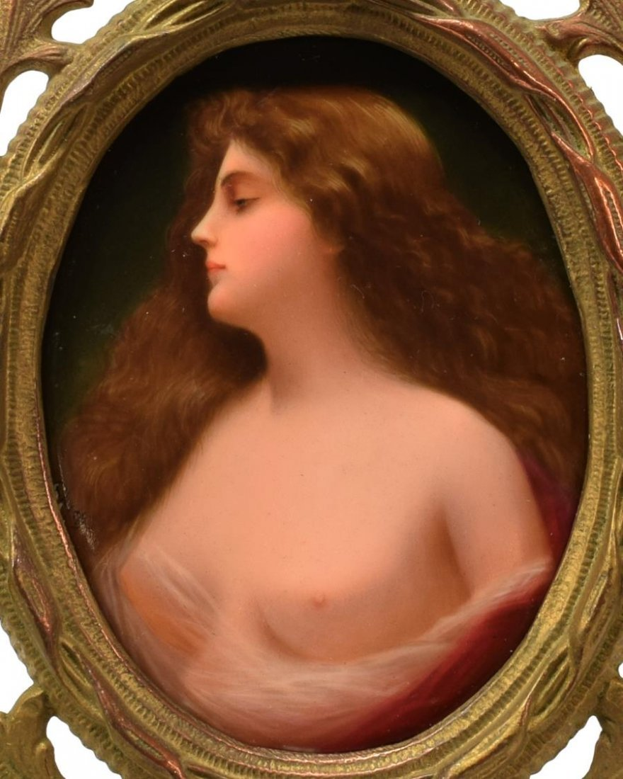 PORCELAIN PLAQUE OF A BEAUTY, AFTER ANGELO ASTI