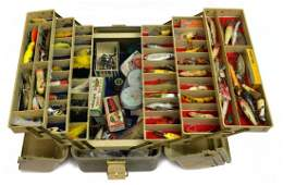 VINTAGE FISHING TACKLE LURES BOX 50 LURES