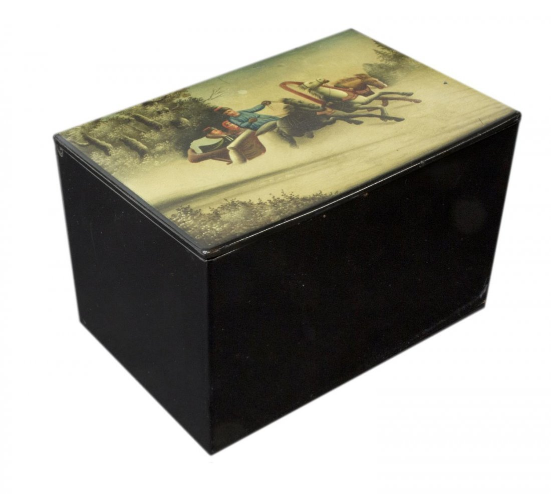 RUSSIAN TROIKA SCENE PAPER MACHE LACQUER TABLE BOX