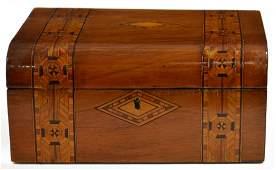 ANTIQUE TUNBRIDGEWARE PARQUETRY TABLE BOX