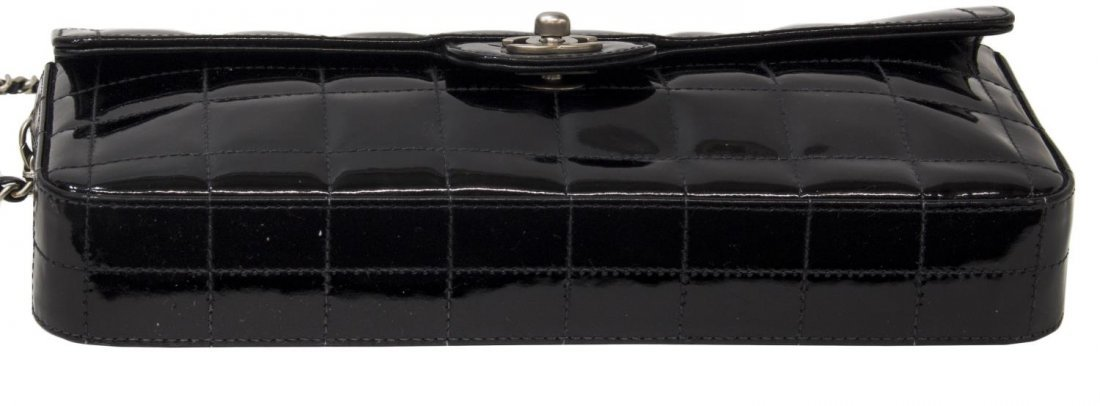 CHANEL QUILTED BLACK PATENT LEATHER EAST/WEST BAG - 3