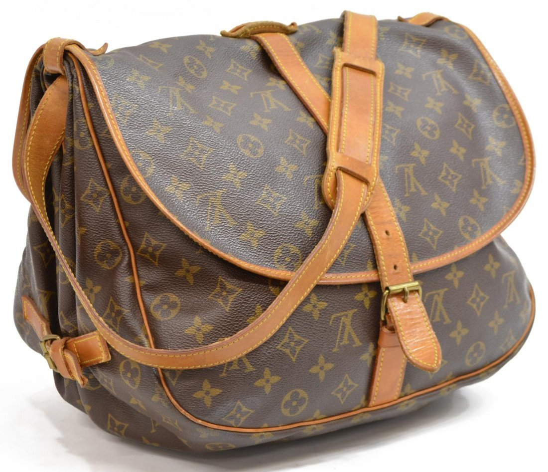 LOUIS VUITTON SAUMUR 30 MONOGRAM CANVAS MESSENGER