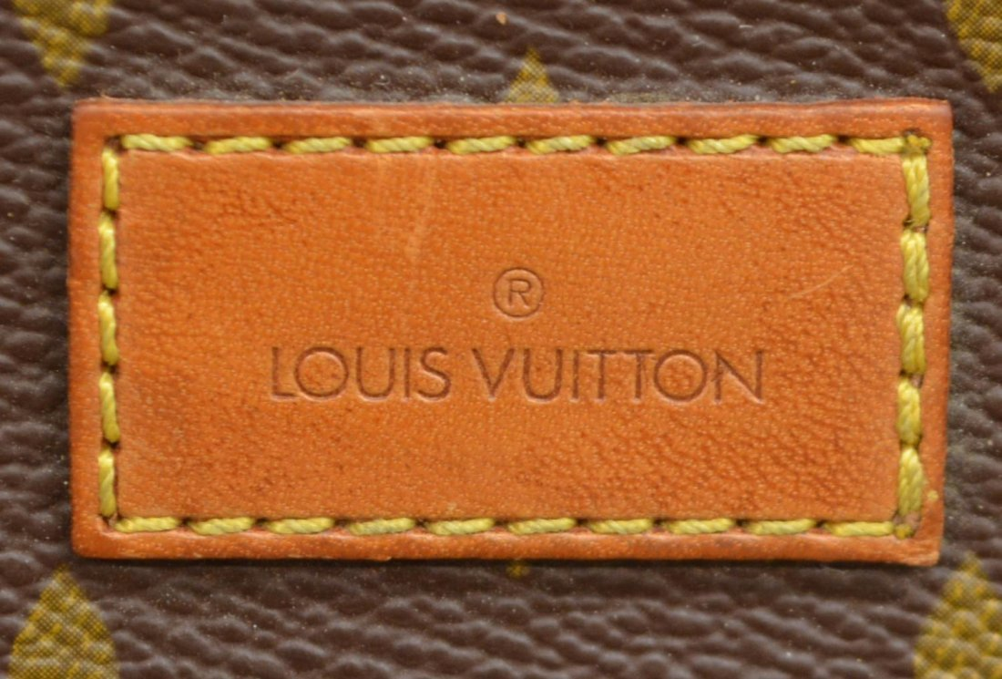 LOUIS VUITTON SAUMUR 30 MONOGRAM CANVAS MESSENGER - 6