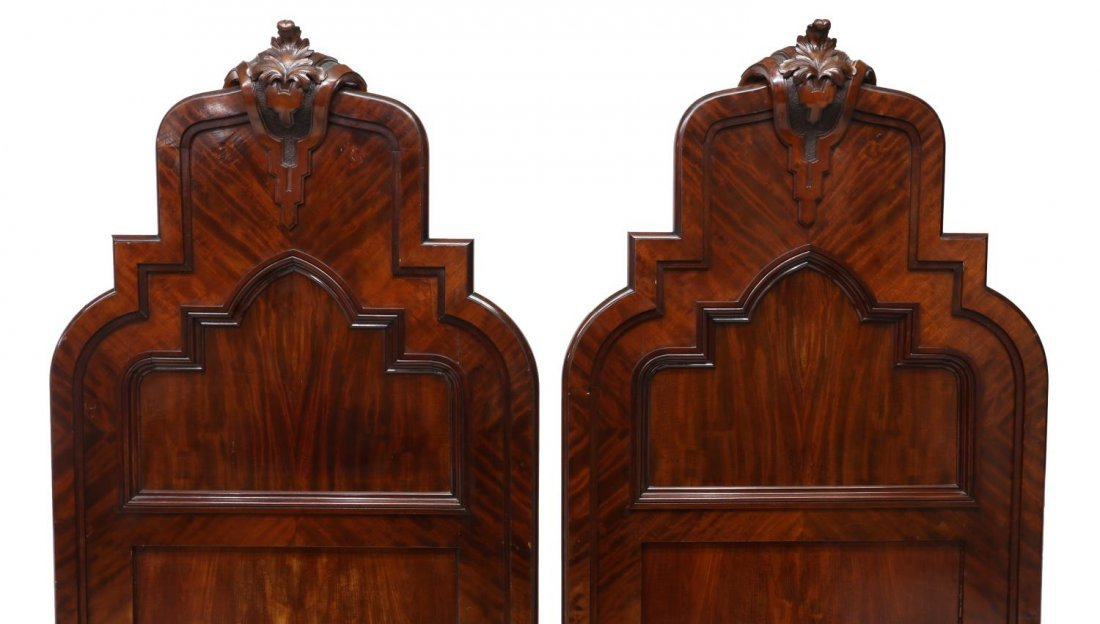 (2) ITALIAN CARVED MAHOGANY SINGLE BEDS, 19TH C. - 2