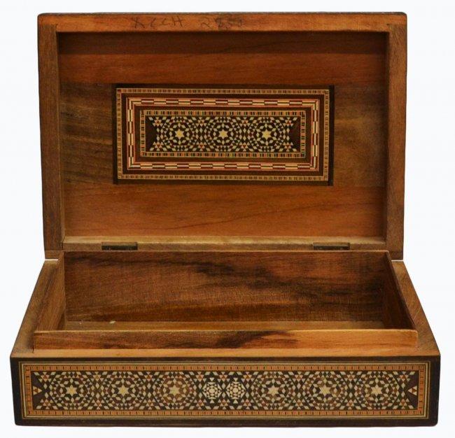 VINTAGE ARABESQUE BONE INLAID TABLE BOX - 5