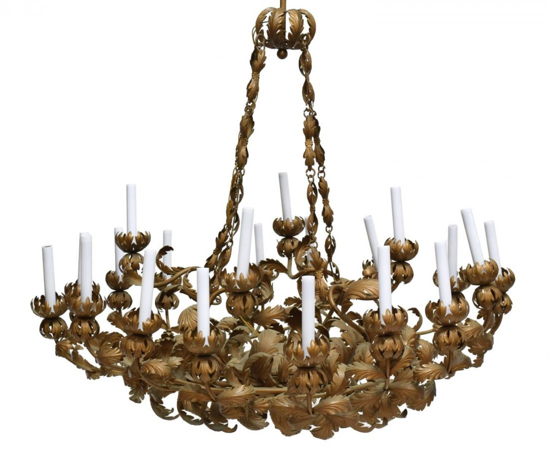 ORNANTE GILT METAL ACANTHUS 20-LIGHT CHANDELIER