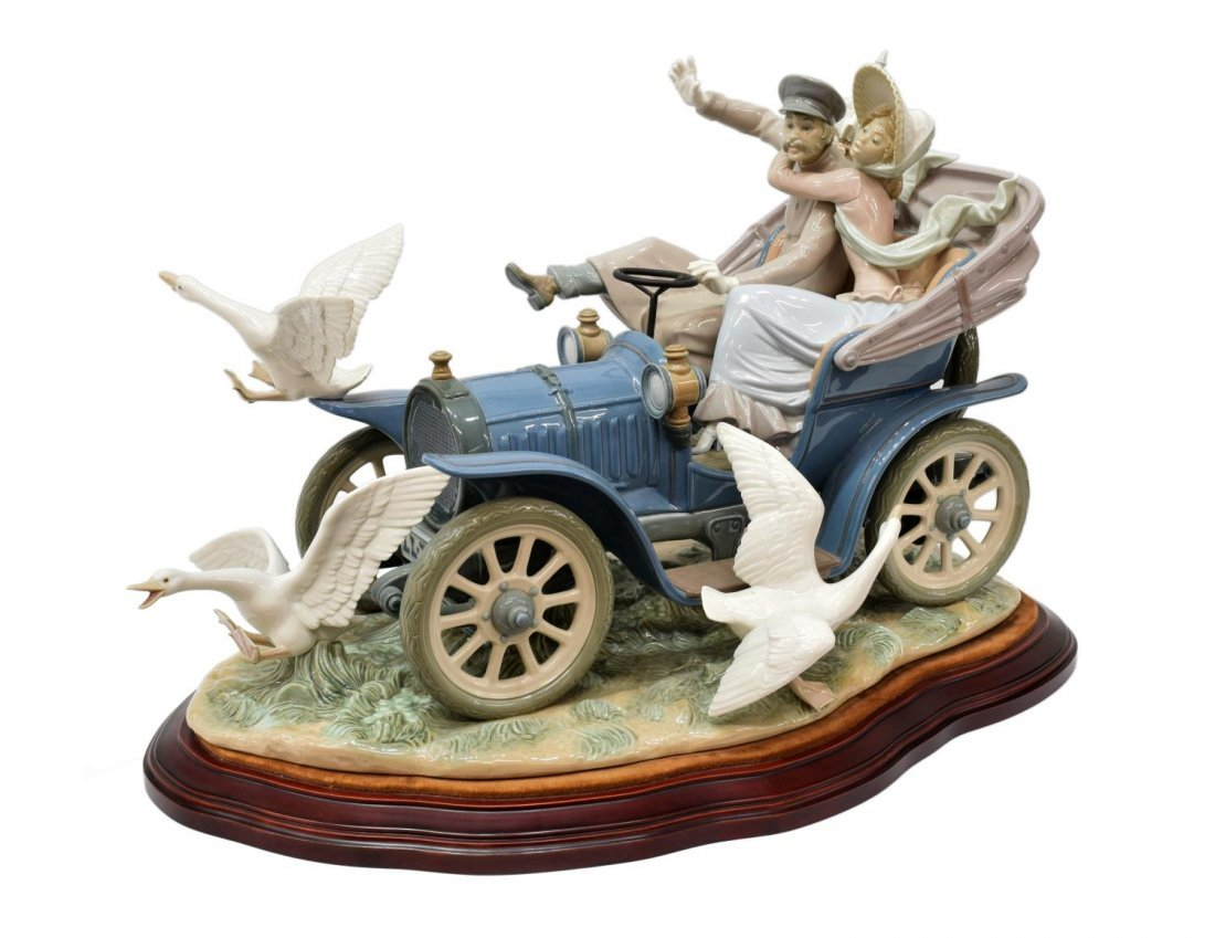 LLADRO PORCELAIN FIGURAL GROUP 'CAR IN TROUBLE'