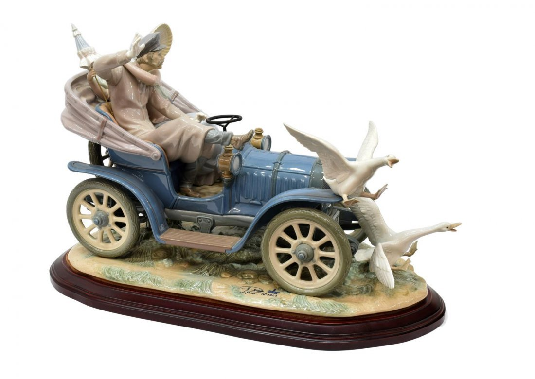 LLADRO PORCELAIN FIGURAL GROUP 'CAR IN TROUBLE' - 2