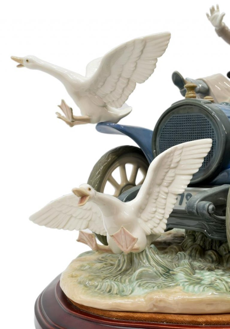 LLADRO PORCELAIN FIGURAL GROUP 'CAR IN TROUBLE' - 5