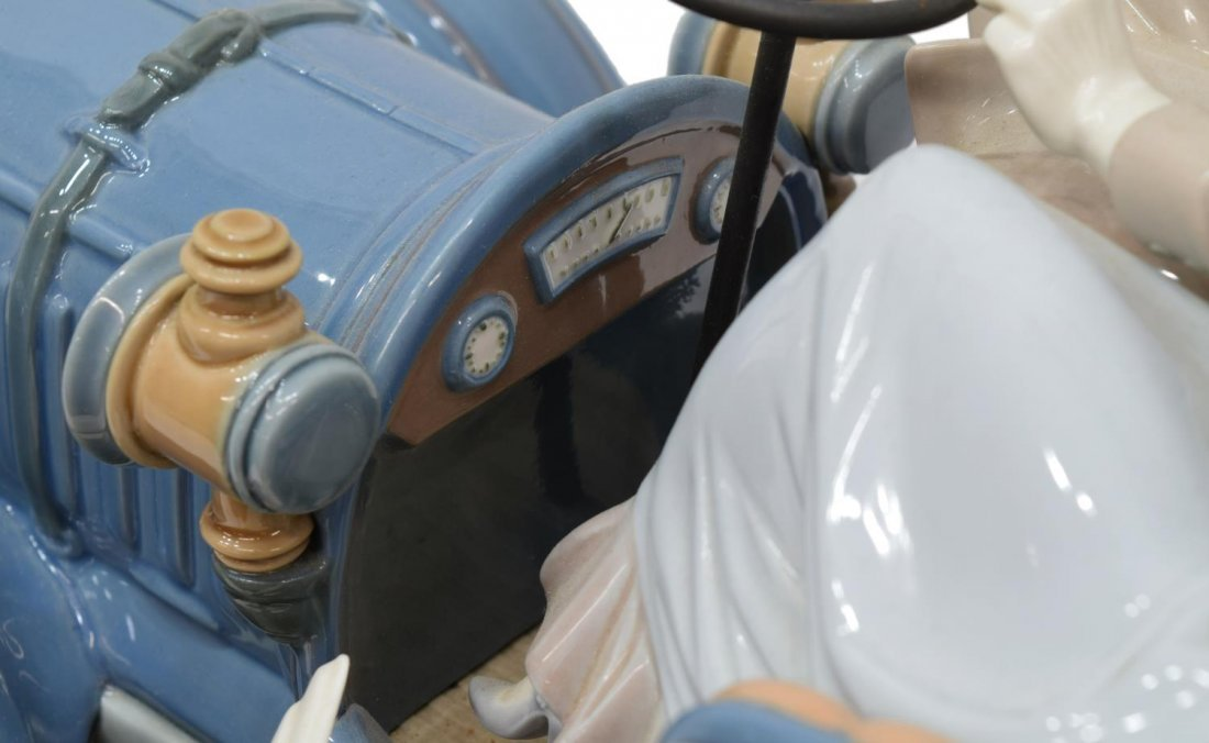 LLADRO PORCELAIN FIGURAL GROUP 'CAR IN TROUBLE' - 7