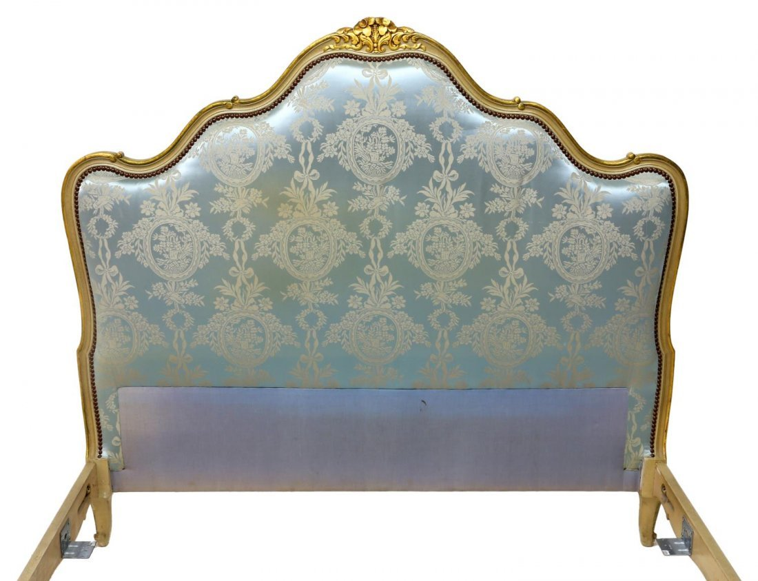 FRENCH LOUIS XV STYLE UPHOLSTERED BED, 20TH C - 2