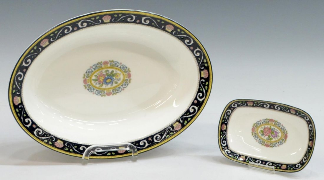(38) ENGLISH WEDGWOOD 'RUNNYMEDE' DINNER SERVICE - 3