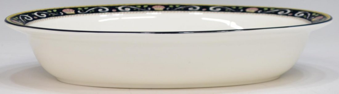 (38) ENGLISH WEDGWOOD 'RUNNYMEDE' DINNER SERVICE - 4