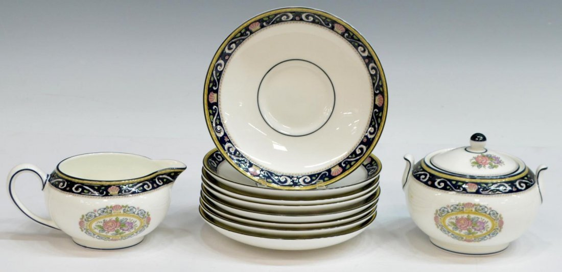 (38) ENGLISH WEDGWOOD 'RUNNYMEDE' DINNER SERVICE - 5