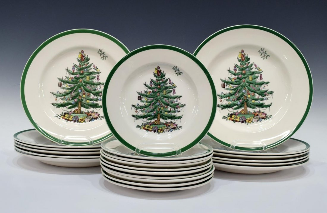 (89) EXTENSIVE SPODE CHRISTMAS TREE DINNER SERVICE - 2